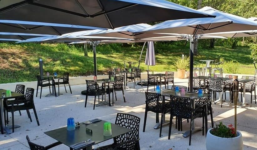 Déjeuner en terrasse au Golf de Sainte Baume à Nans-les-Pins